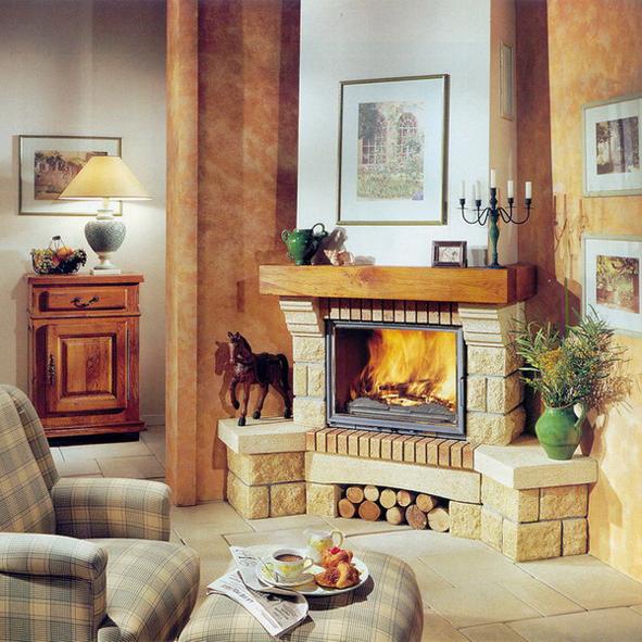 Интерьер гостиной с угловым камином 3